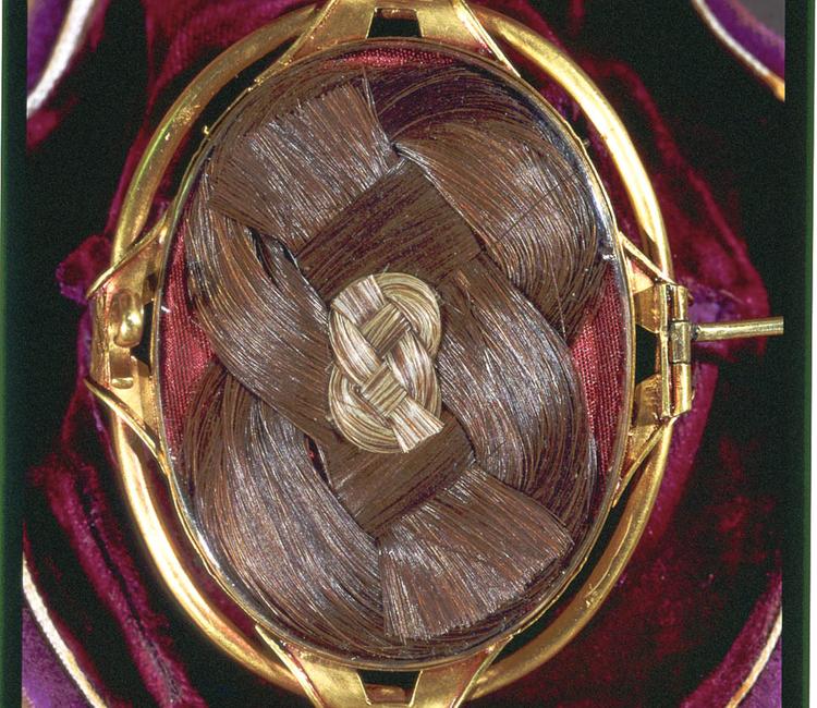 El cabello y la joyería de luto en el siglo XIX
