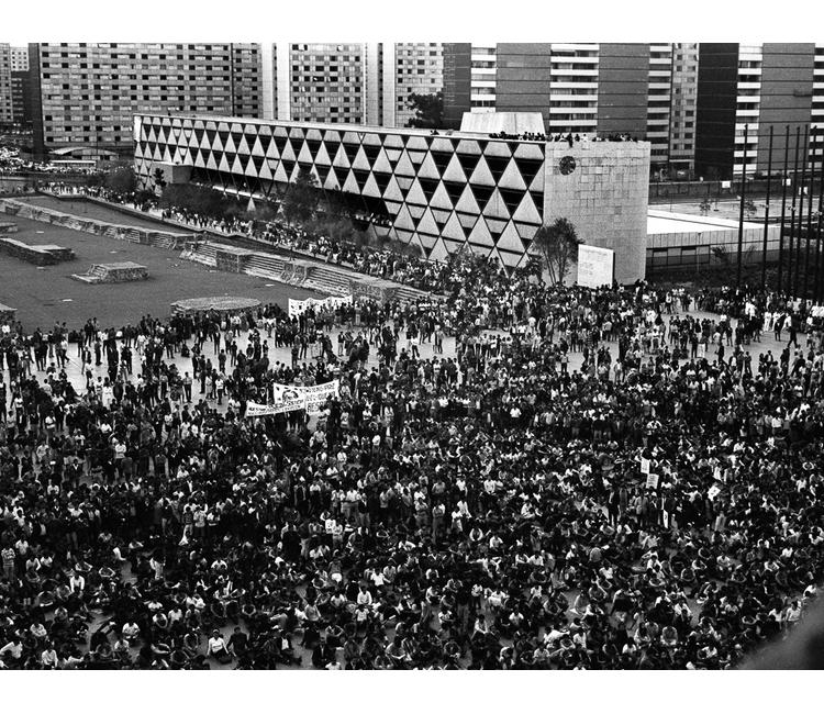 Resultado de imagen para imagenes del movimiento estudiantil del 68 en mexico