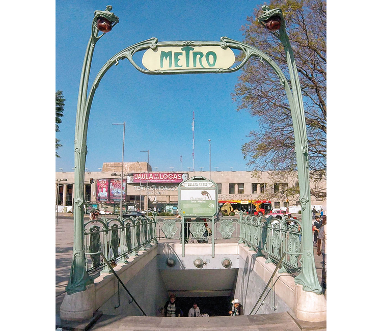 Metro Bellas Artes, un poquito del corazón francés en México