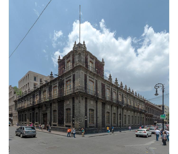 ¿Conocen el gran Palacio de los Condes de San Mateo de Valparaíso?