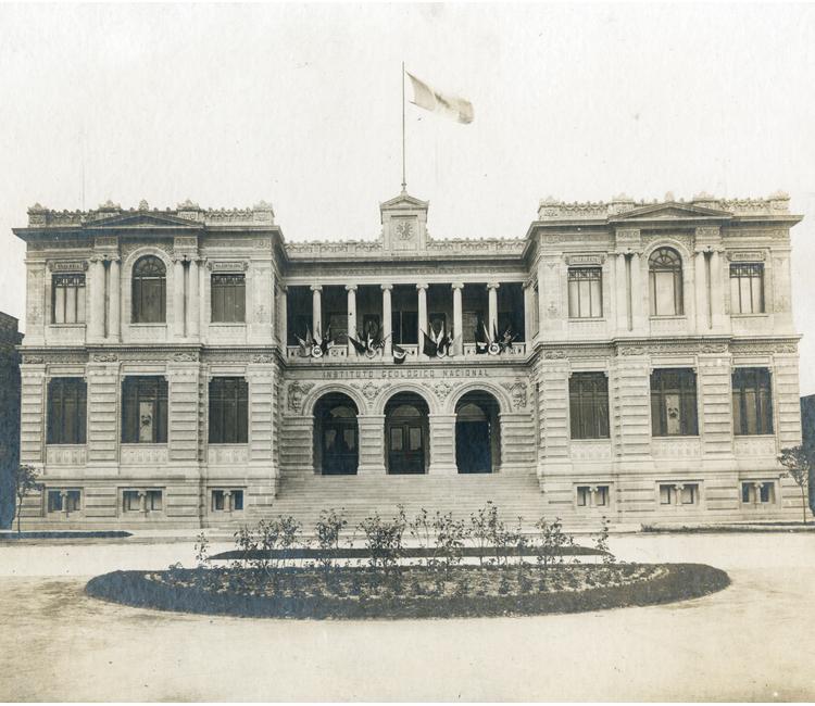 Museo de Geología, el Palacio de las Ciencias de la Tierra