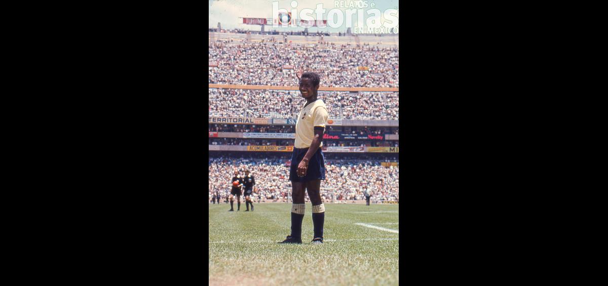 El primer gol en el estadio Azteca