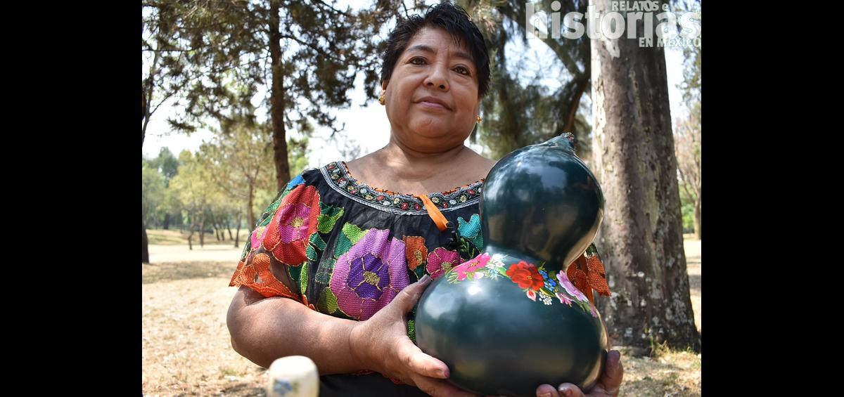 Guadalupe Pérez Sánchez, maestra artesana en diseño en laca