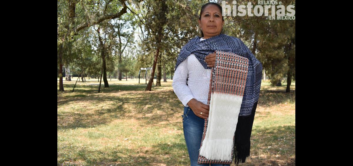 Josefina Gómez Segura, maestra artesana de empuntado de rebozo