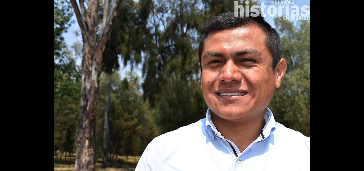 Eliseo Xochitemol Peña, maestro artesano de sarape en telar de pedal