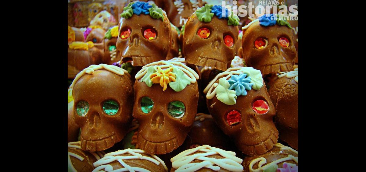 ¿Conoces el significado de los elementos de una ofrenda de Día de Muertos?
