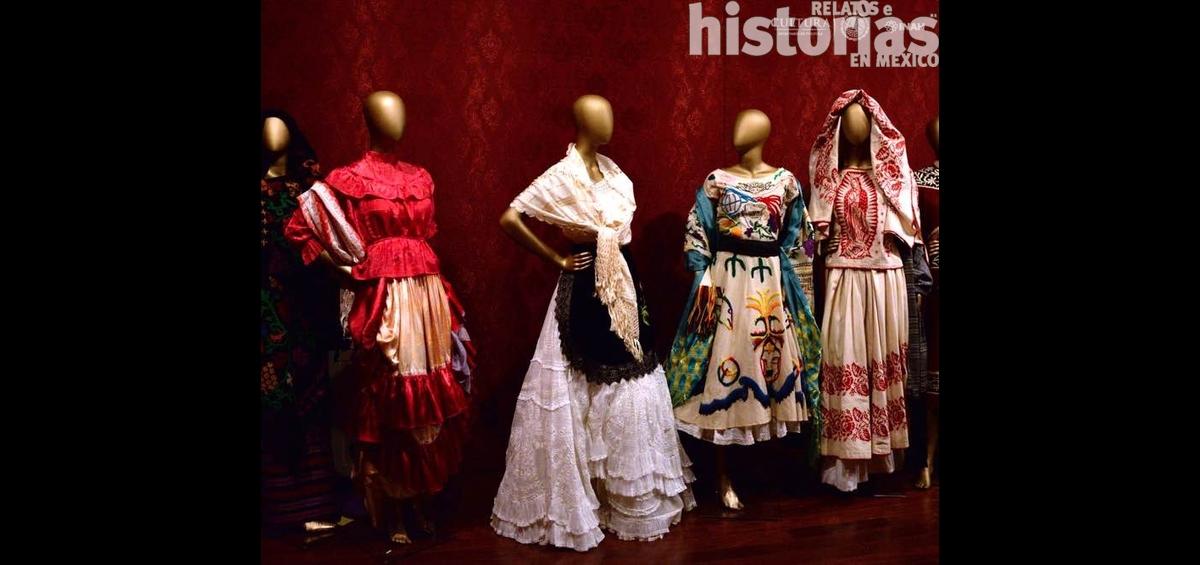 Las flores en el traje regional mexicano